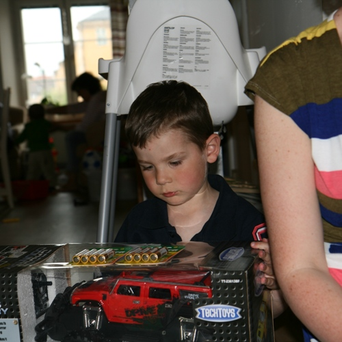 Carl fick bla. en stor radiostyrd bil av farmor/Farfar!